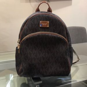 💯 authentic Michael Kors Backpack